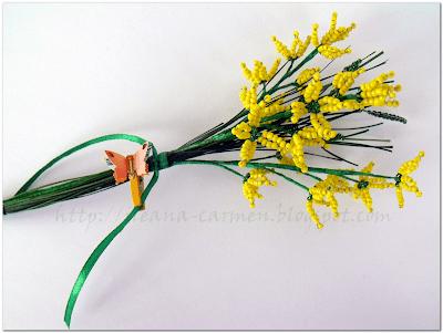 Trang trí góc nhà với bó hoa hạt cườm