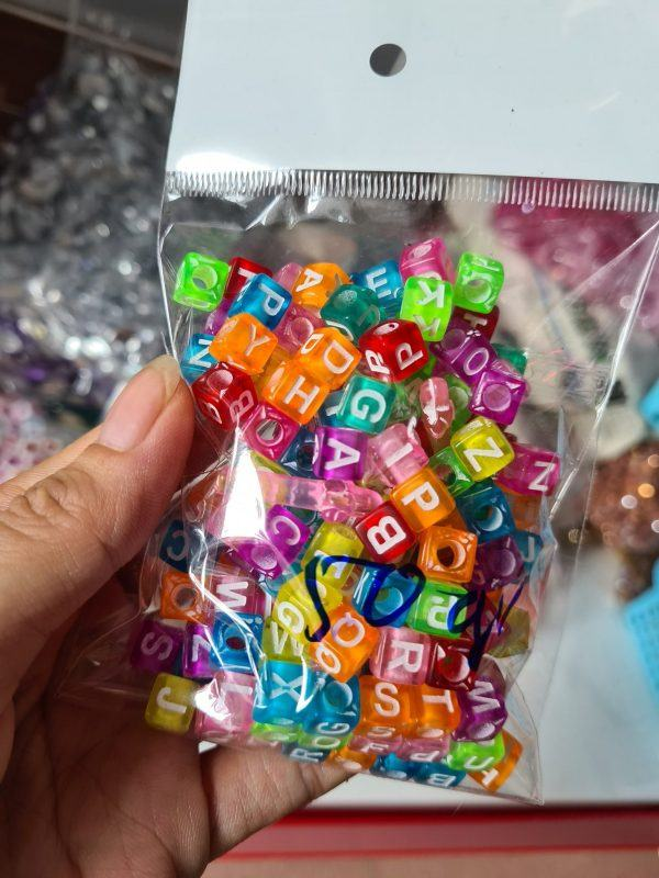 Hạt nhựa vuông chữ cái 2