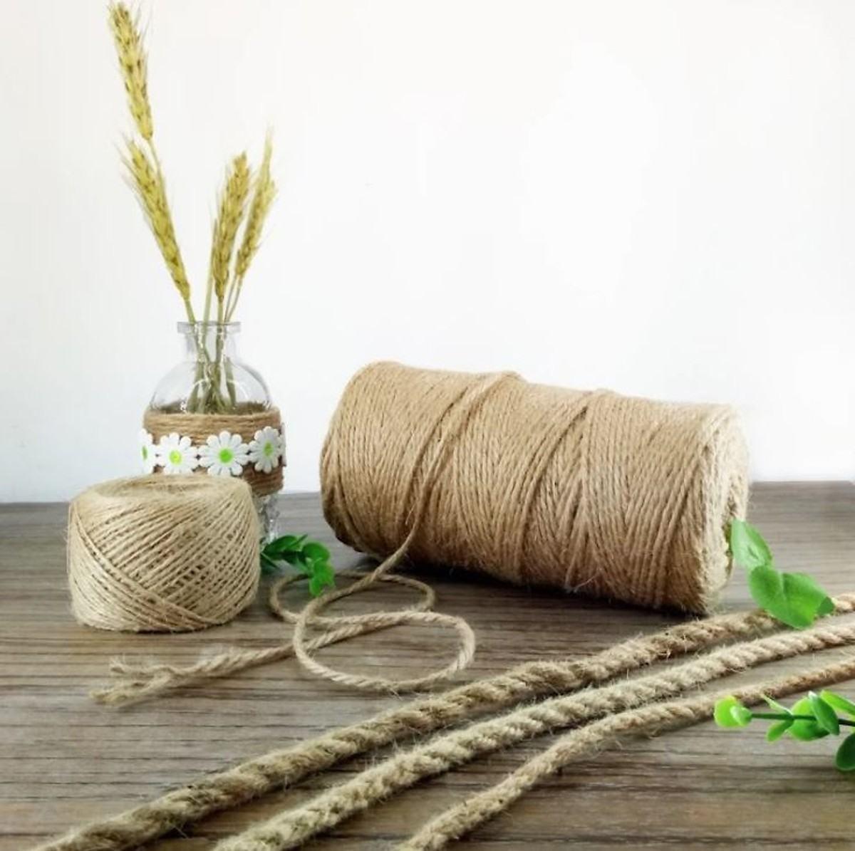 Một vài nguyên liệu đơn giản để làm lọ hoa handmade (Nguồn: Internet)