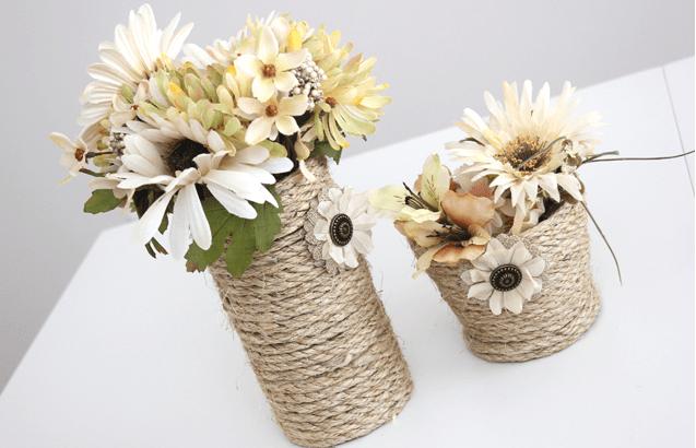Cắm thêm nhiều bông hoa vào lọ và bày chúng tại phòng khách, bàn làm việc thôi! (Nguồn: Internet)