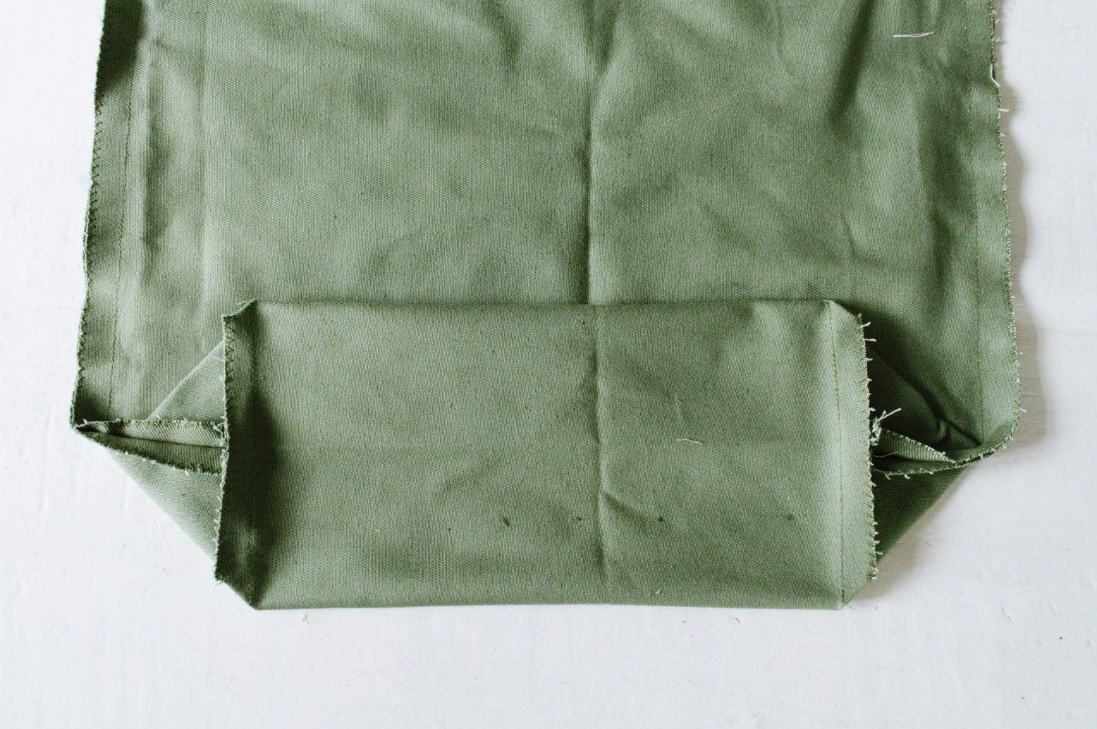Các thao tác làm đáy túi tote (Nguồn: Internet)