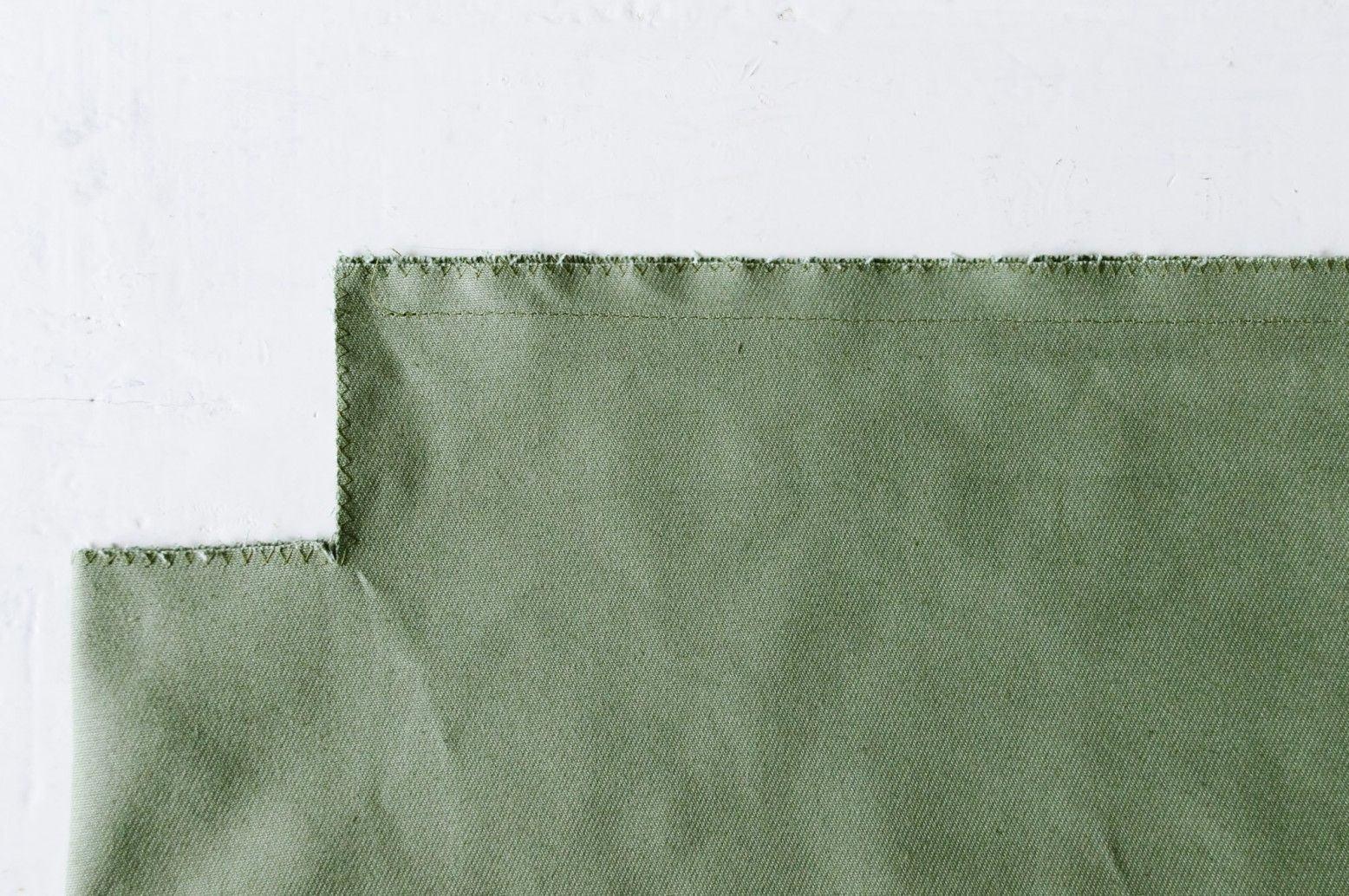 Khâu lại hai bên mép túi tote (Nguồn: Internet)