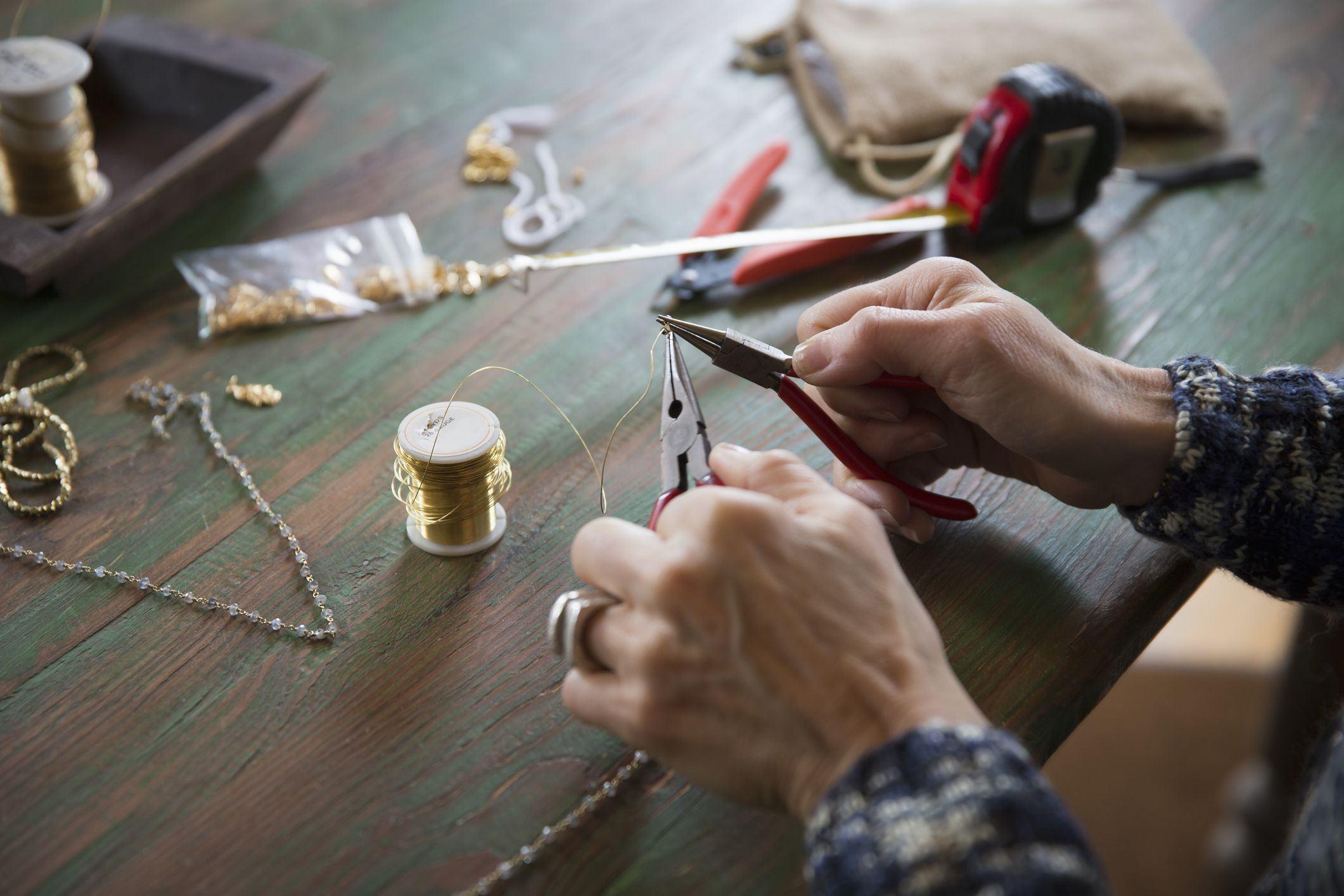 Không chỉ độc đáo và có chất riêng, các sản phẩm handmade được tái chế từ các nguyên liệu tưởng chừng không còn giá trị còn góp phần bảo vệ môi trường (Nguồn: Internet)