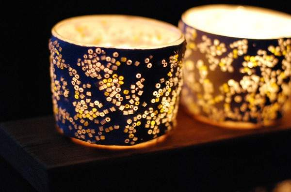 Đèn nến đính hạt cườm có thể trở thành món quà tặng ý nghĩa dành cho ông bà, bố mẹ, thầy cô hoặc bạn bè (Nguồn: Internet)