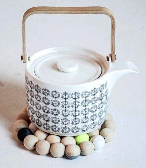 Cách làm miếng lót ấm chén từ hạt cườm gỗ 2